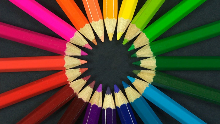 Get Recognised your Business by Colours